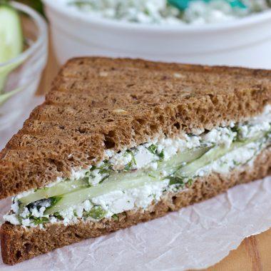 Uhorkové chlebíky s kôprom, citrónom a Karičkou