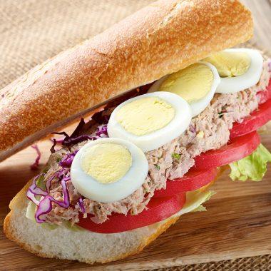 Tuniakovo-vajíčková bageta