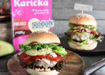 Burger s hovädzím mäsom a zrejúcim syrom
